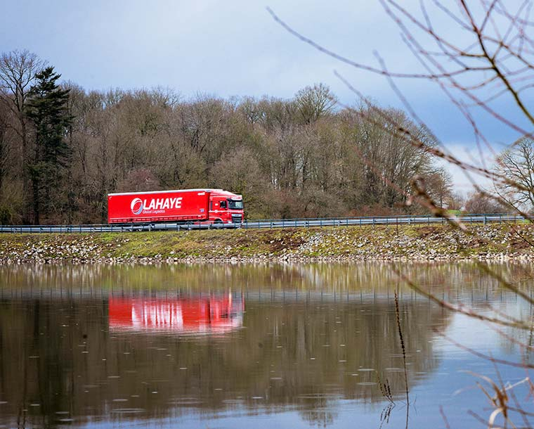 Lahayae Global Logistics Transport International Messagerie Palettisee